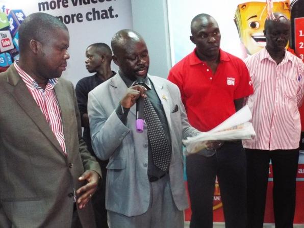 L-R Airtel Sales and Marketing Director Michael Walekwa, Lira Mayor, His Lordship Moris Odongo Omara and Airtel Sales Representatives Northern Region