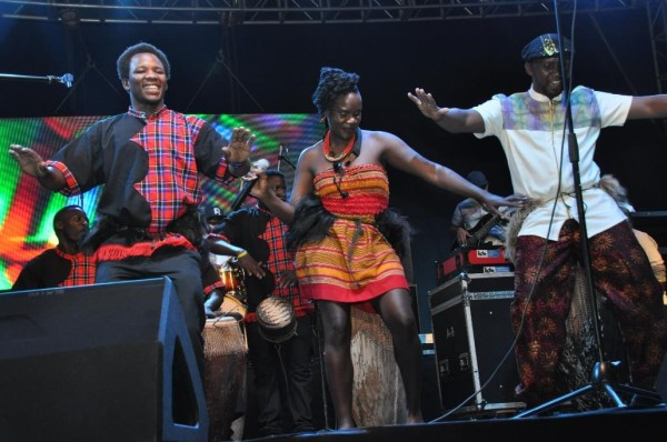 qwela-band-performing-at-blankets-wine